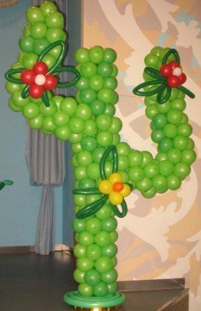 kaktusy iz sharikov. - УКРАШЕНИЕ ПОМЕЩЕНИЯ ДЛЯ МЕКСИКАНСКОЙ ВЕЧЕРИНКИ